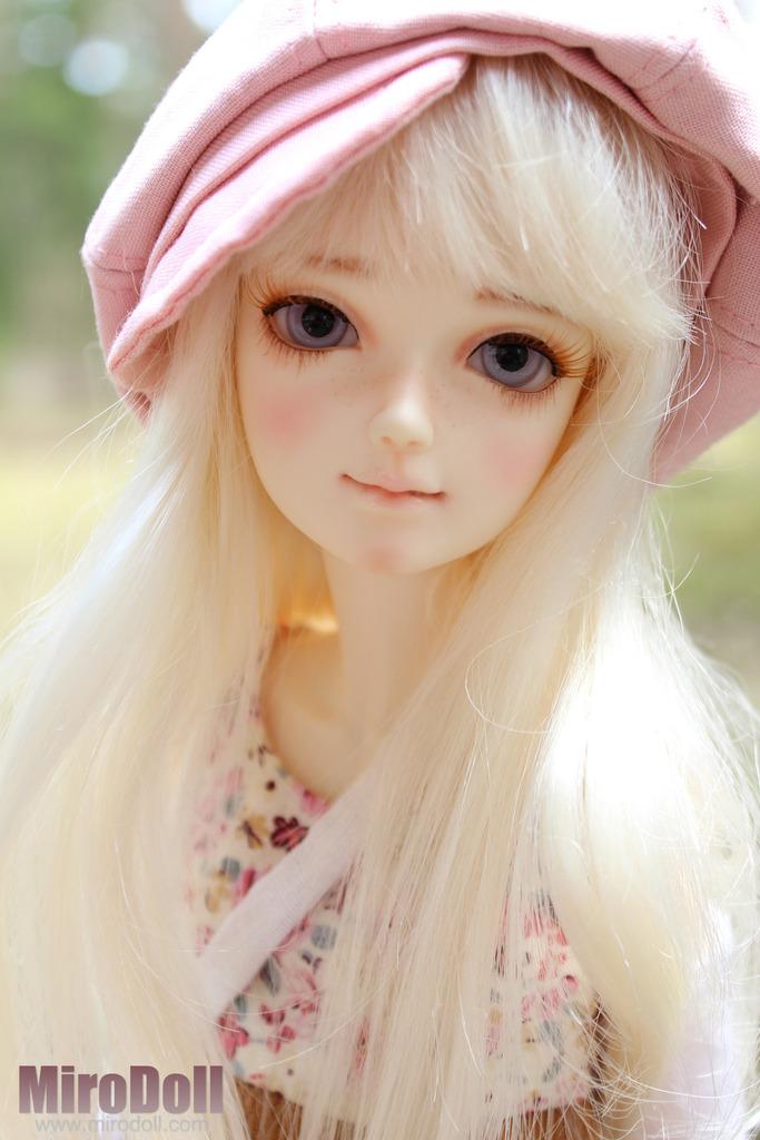 1 4 Girl Lili 1 4 Girl Lili 82 50 Miro Doll